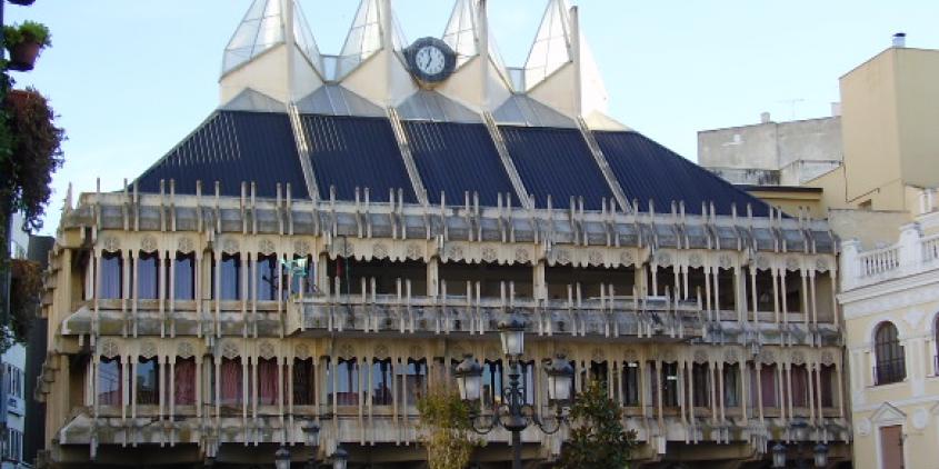 Ciudad Real renovará su ayuntamiento con LEDs y pondrá en marcha autobuses híbridos
