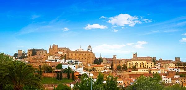 El Ayuntamiento de Cáceres inaugura la campaña turística 'Ven y Quédate'