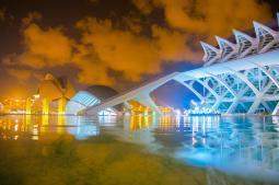 Ciudad de as Artes y las Ciencias por la noche