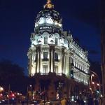 El Edificio Metrópolis, en el cruce de la Calle de Alcalá y la Gran Vía.