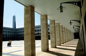 Plaza y Ayuntamiento de Noblejas